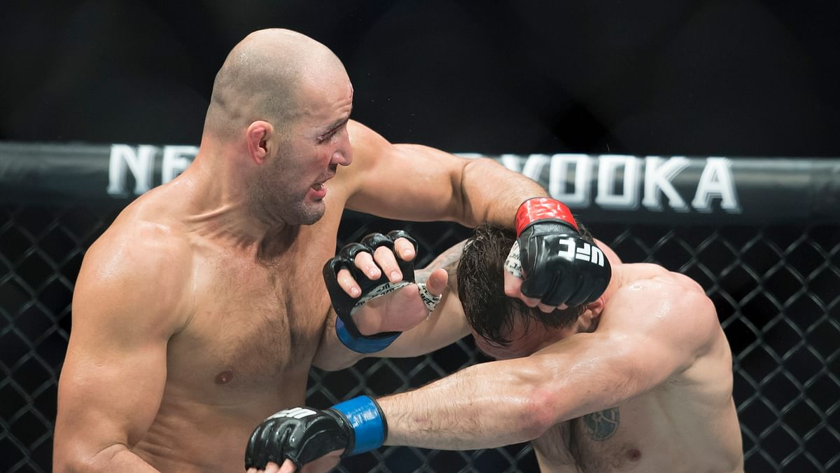 Glover Teixeira upsets Anthony Smith to cap UFC's 2nd Jacksonville show