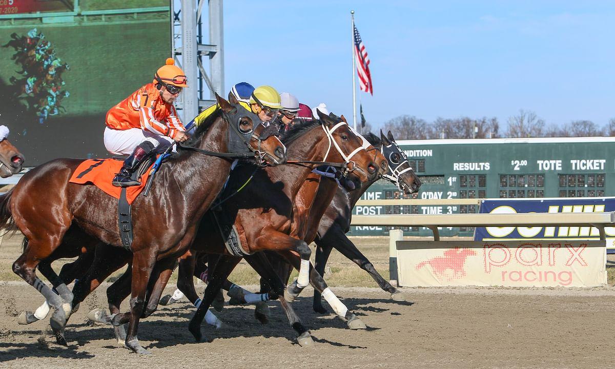 Racing at Parx