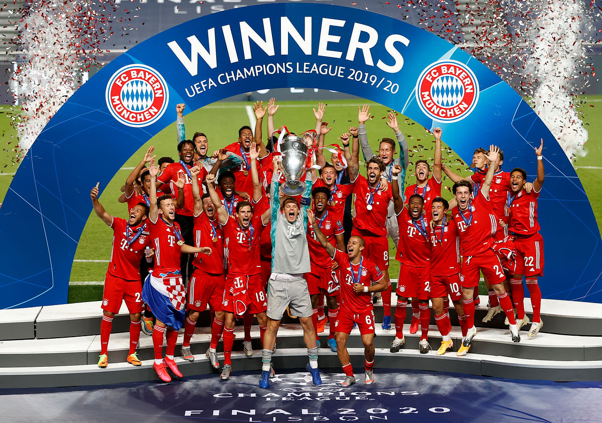 Bayern's goalkeeper Manuel Neuer lifts the trophy after Munich won the Champions League final soccer match between Paris Saint-Germain and Bayern Munich at the Luz stadium in Lisbon, Portugal, Sunday, Aug. 23, 2020.