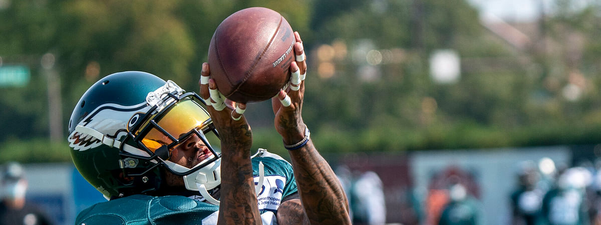 DeSean Jackson makes a catch during Eagles practice in August