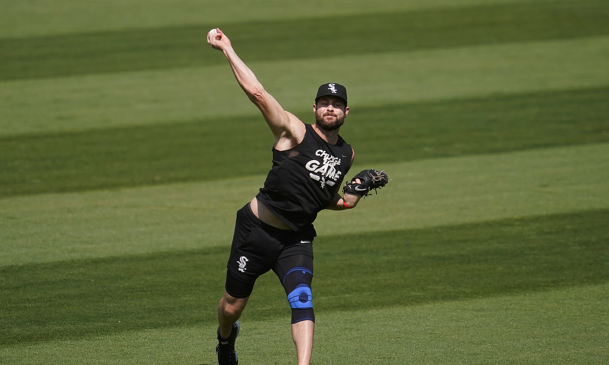 Chicago White Sox pitcher Lucas Giolito throws at practice during a baseball workout in Oakland, Calif., Monday, Sept. 28, 2020. The White Sox are scheduled to play the Oakland Athletics in an American League wild-card playoff series starting Tuesday.