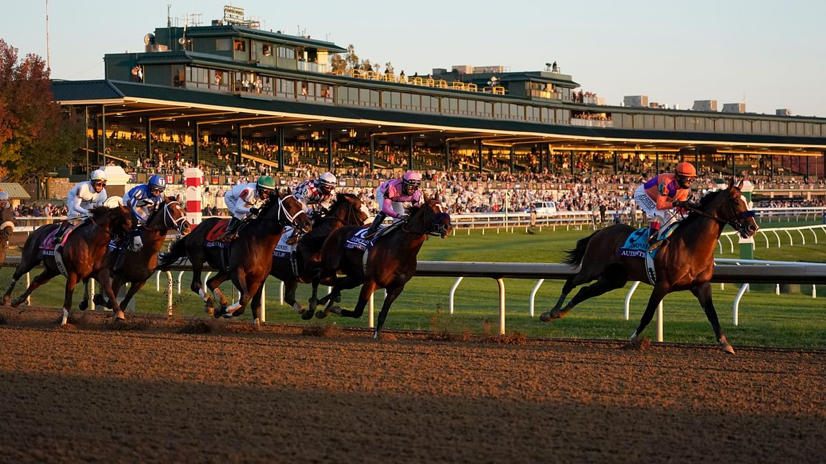 Authentic goes wire-to-wire to win Breeders' Cup Classic at Keeneland
