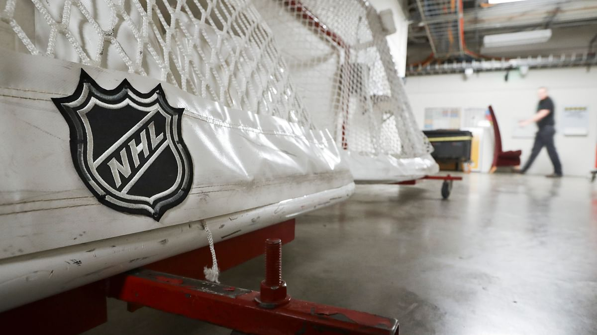 NHL and players association finalize agreement for 56-game season in 2021