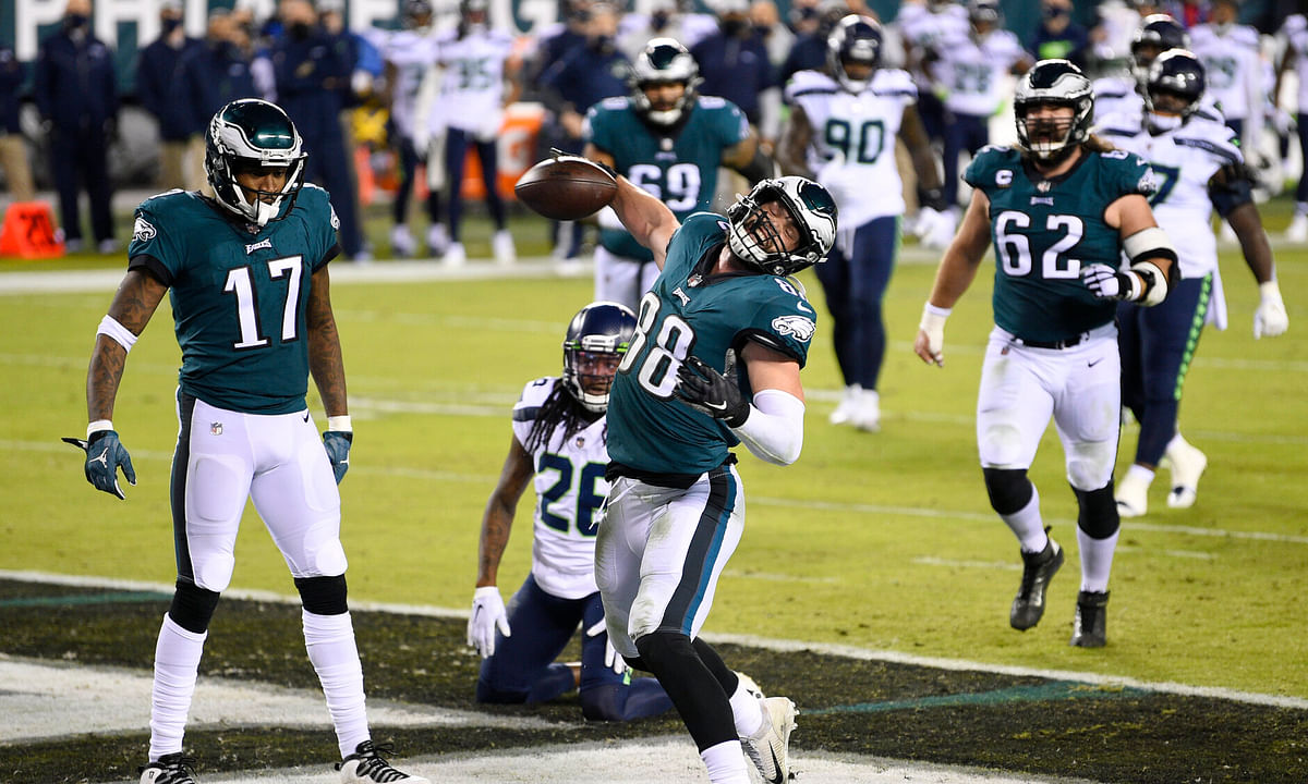Eagles tight end Dallas Goedert celebrates his touchdown catch Monday against the Seahawks