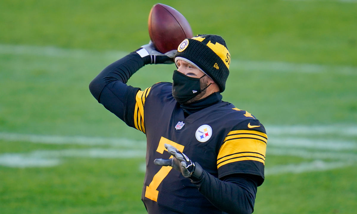 Pittsburgh Steelers quarterback Ben Roethlisberger (7) warms up before an NFL football game against the Baltimore Ravens, Wednesday, Dec. 2, 2020, in Pittsburgh.