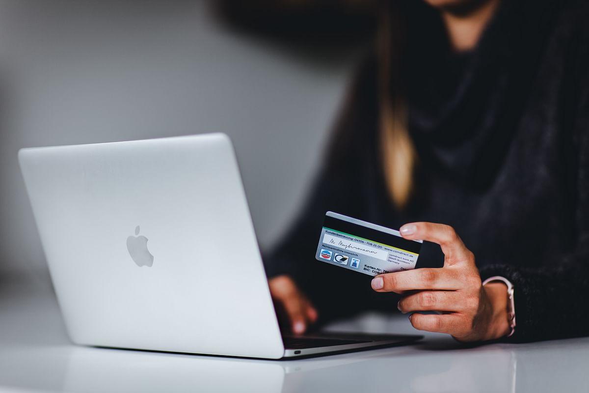 How Do Online Casinos Work?