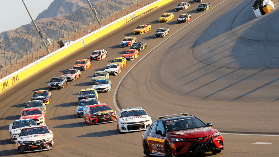 NASCAR Playoffs Sunday: Eckel 4 pick South Point 400 as Round of 12 begins in Las Vegas – Kyle Larson favored