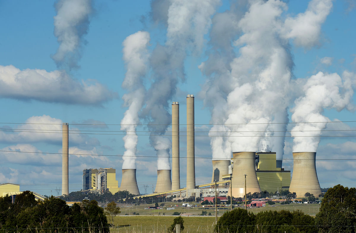 A coal fired power station. (Photographer: Carla Gottgens/Bloomberg)