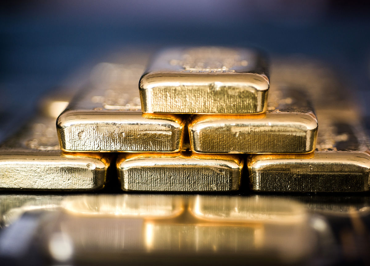 Gold Closes Above $1,400, Posting Best Week in Three Years