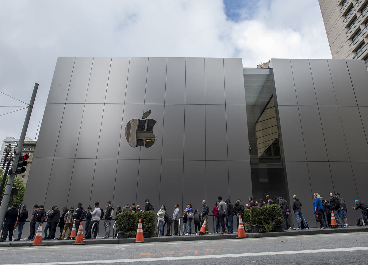 Apple Sells $10 Billion of Bonds in Second Debt Deal Since July