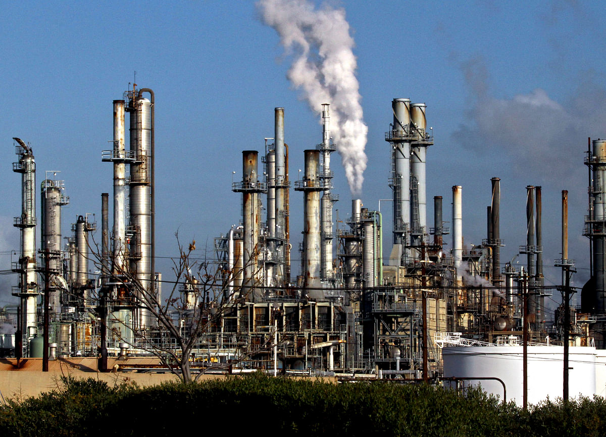 Q3 Earnings: Analysts Expect Muted Recovery In Oil Firms' Refining Margins