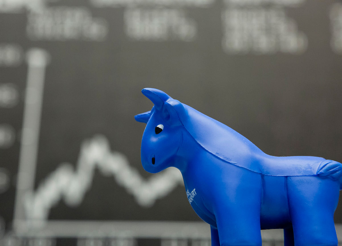 Sensex Gains Most In 3-Weeks, Nifty Above 8,850 On Fed Status Quo; IT Drops On Strong Rupee