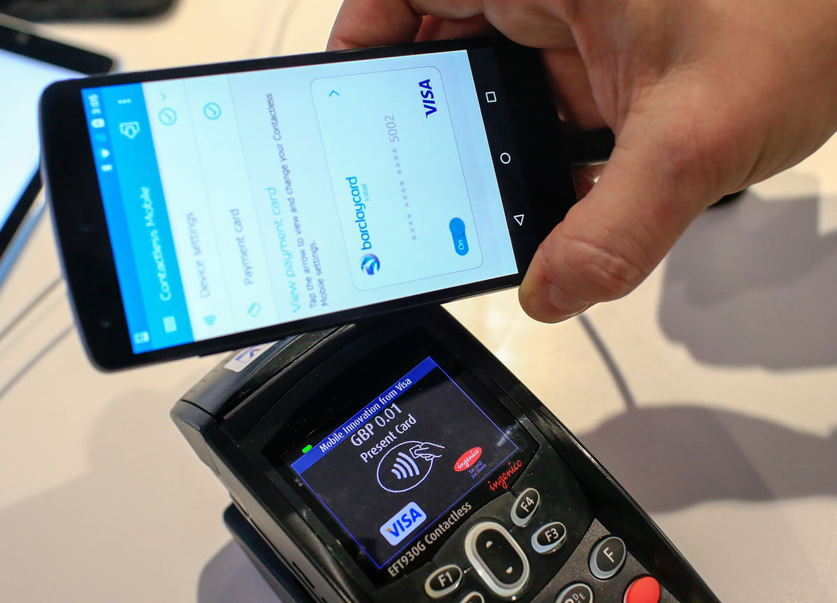 Why  Google, Facebook And WhatsApp Want To Join India's Payments Revolution