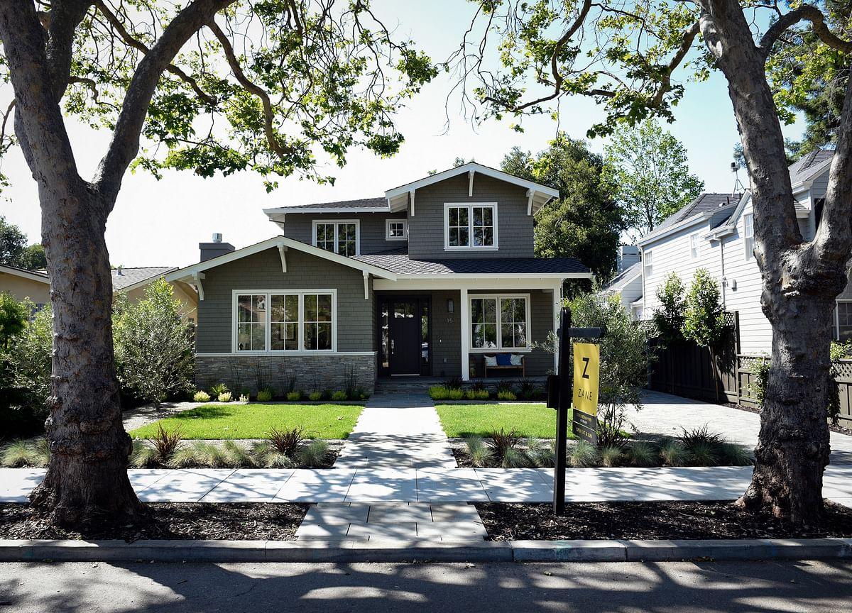 U.S. Existing-Home Sales Fall More Than Forecast