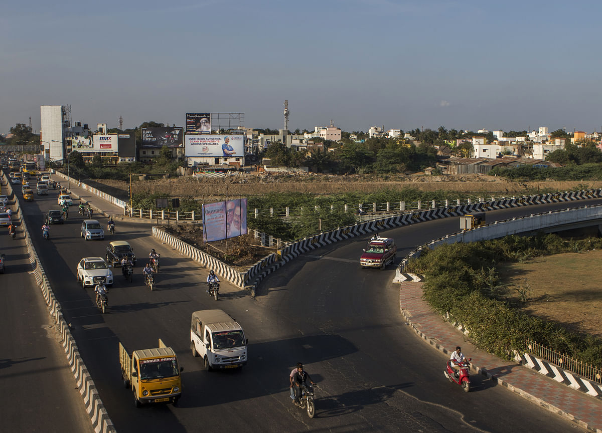 India Plans $1.5 Trillion Infrastructure Spending to Spur Growth