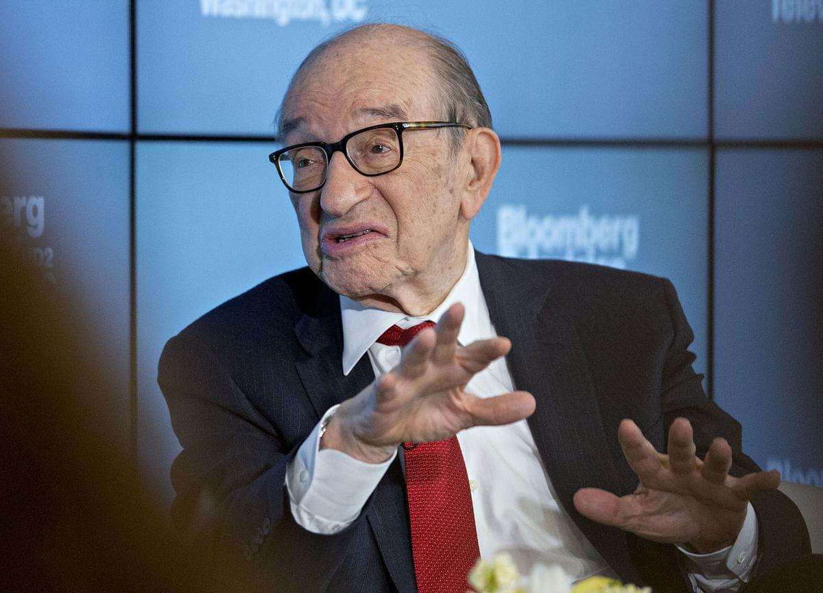 Greenspan Warns Bond Rally Untenable as Bill Gross Says Go Long