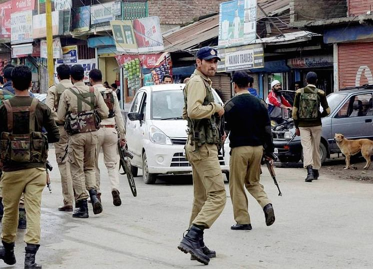 'Localised Incidents' In Kashmir Ahead Of Independence  Day, Restrictions Will Continue For A While