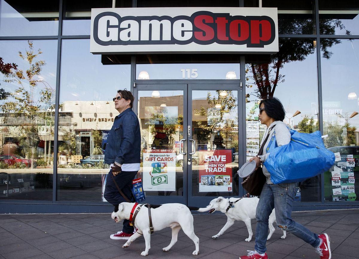 GameStop's a Good Short. AMC? Not So Much.