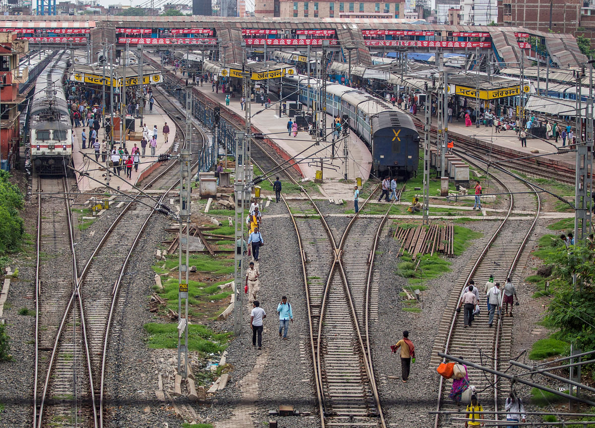 Cabinet Gives Approval To Electrify Remaining 13,000 Km Of Rail Tracks