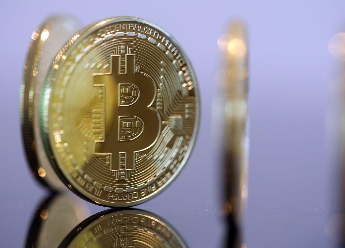 Blockchain Developers Face Off Over $1 Billion in Digital Cash