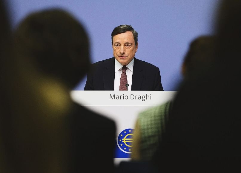 Draghi Watches as BOJ Yield Curbs May Give ECB Food for Thought