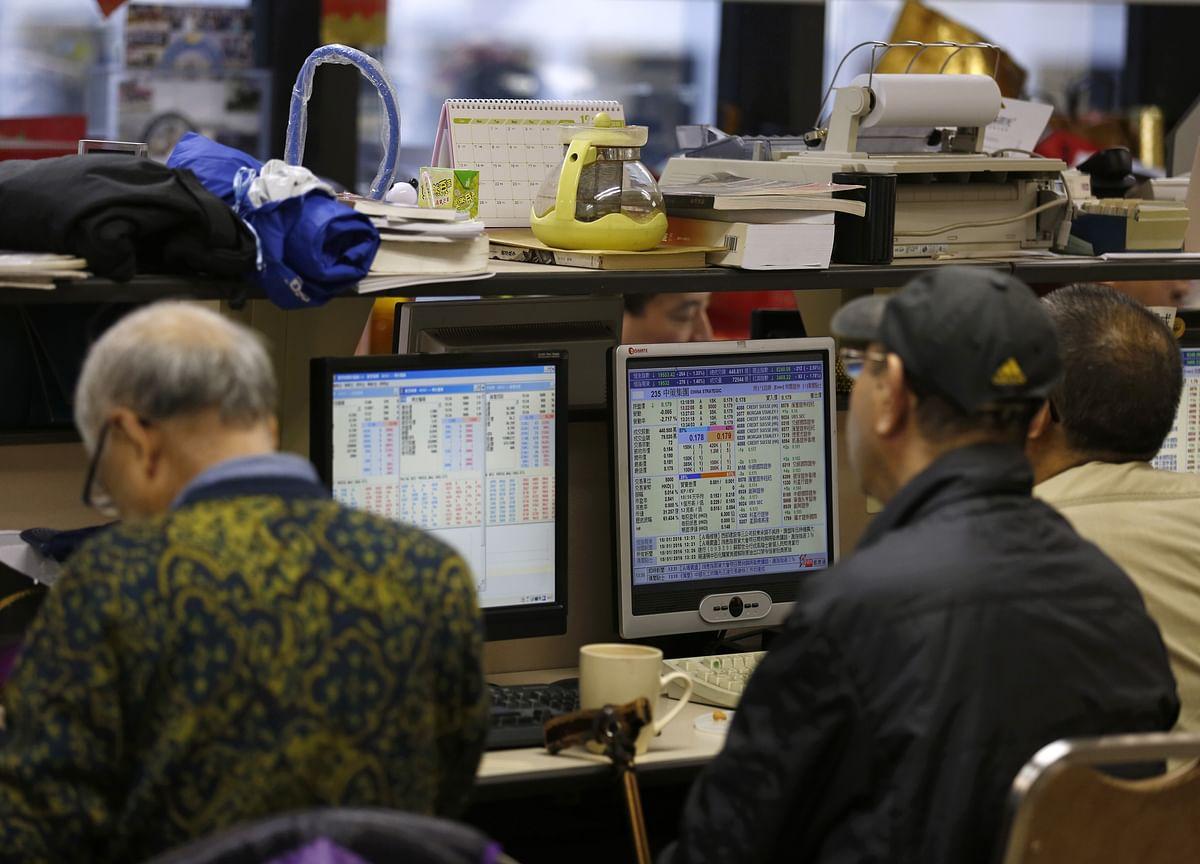 Emerging-Market Carry Trade Makes Comeback