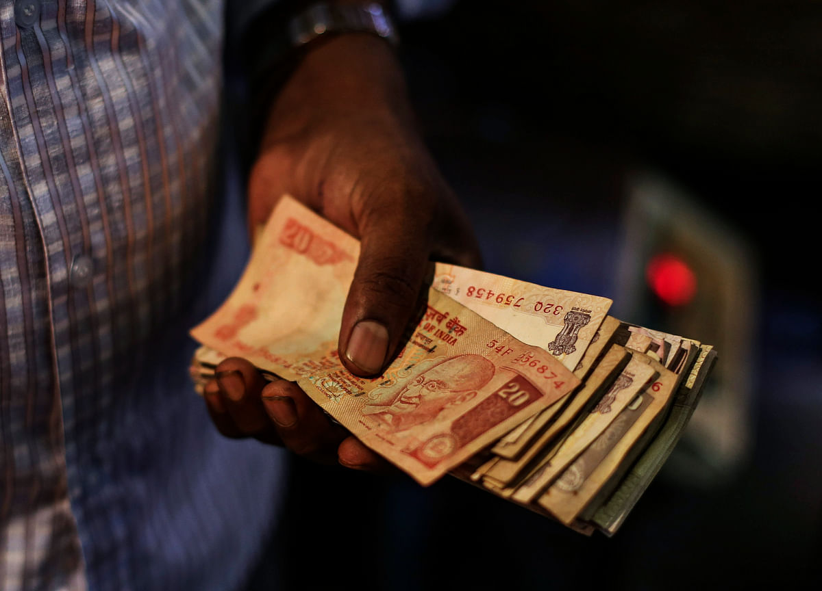 Rupee Forecasts Jump as Rally Shows Strategists Too Bearish