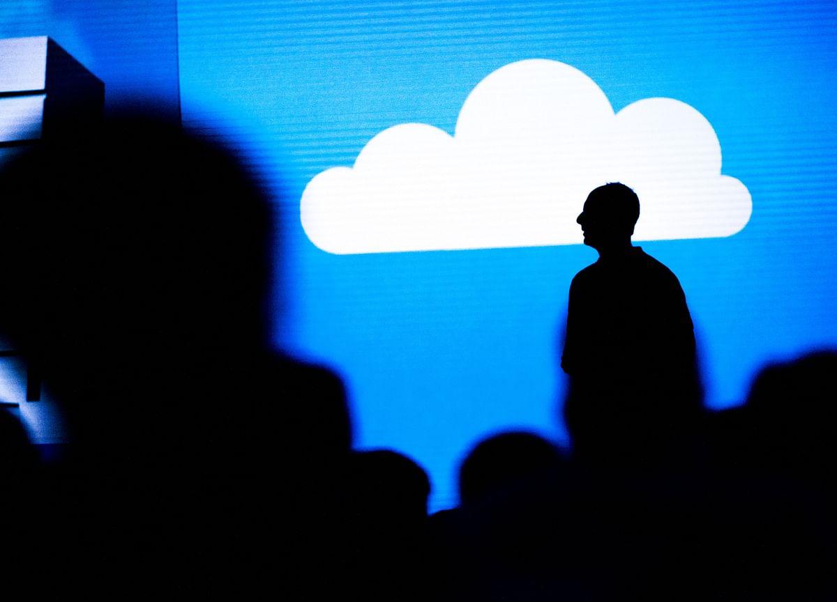 Judge Halts Microsoft Work on Cloud Deal After Amazon Suit