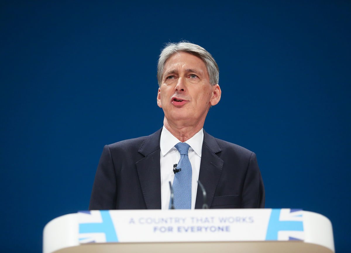 Philip Hammond Says Bank of England Governor Shortlist to Be Ready Soon