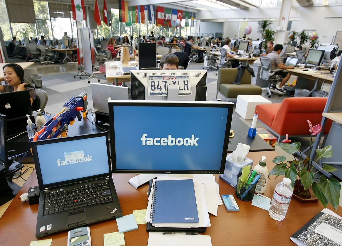 Facebook to Raise Payfor Thousands of Contract Workers, Including Content Moderators