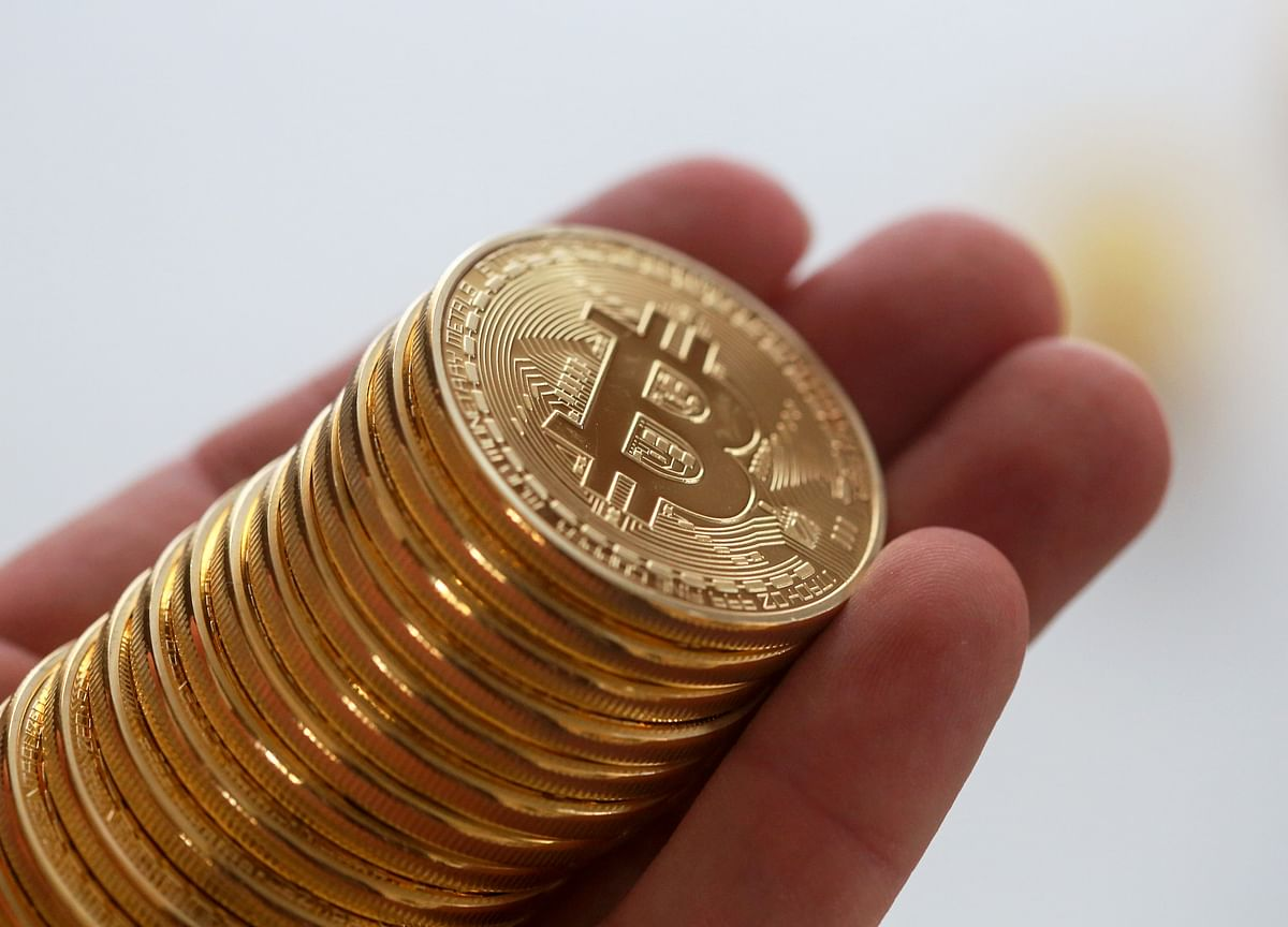 Bitcoin Cash Fork Hits Investors' Pocketbooks as Two Coins Slip