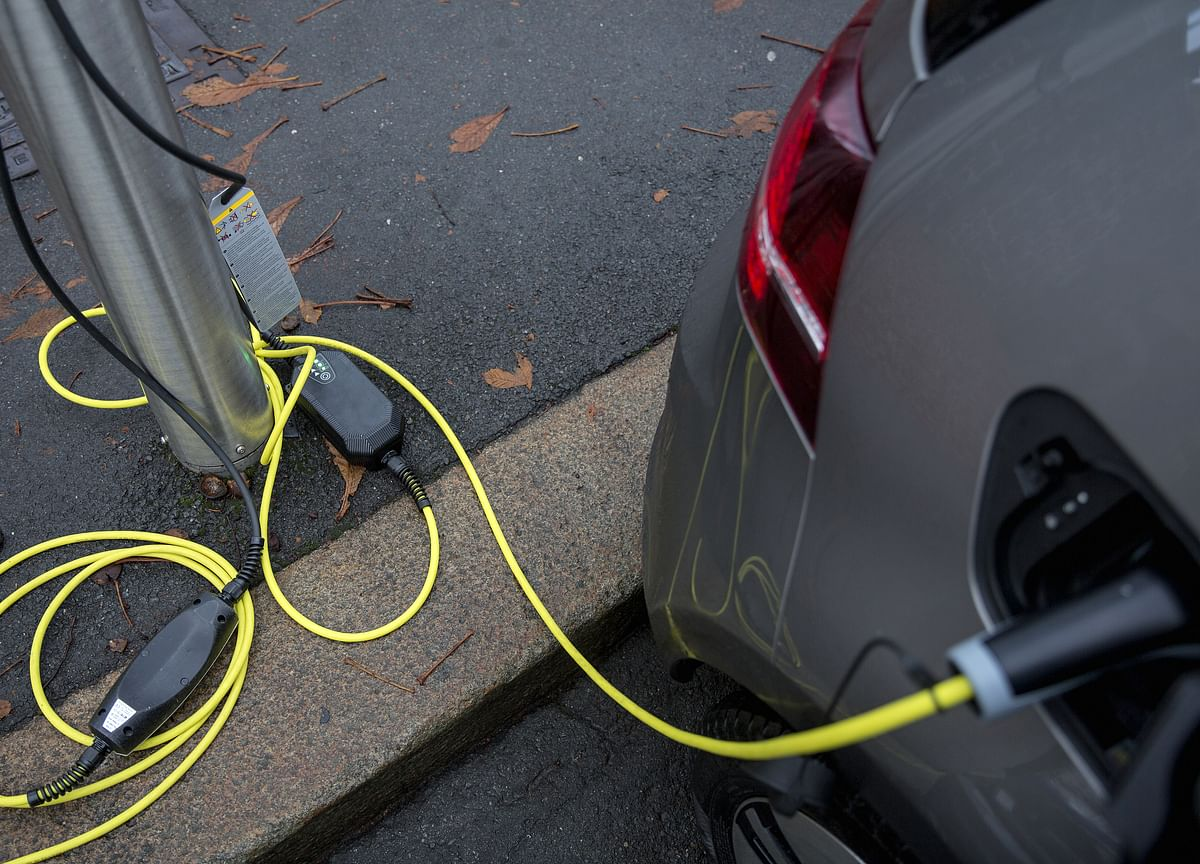 India Invites Bids For Setting Up Of EV Charging Stations Under FAME-II