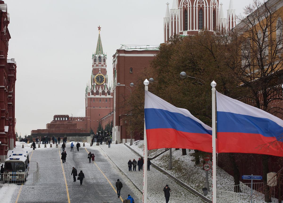 Russia Suffers Smaller Economic Slump Than Peers in 2020