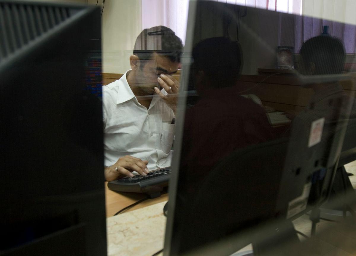 Investors Lost  Rs 1.67 Lakh Crore As Stocks Tumble