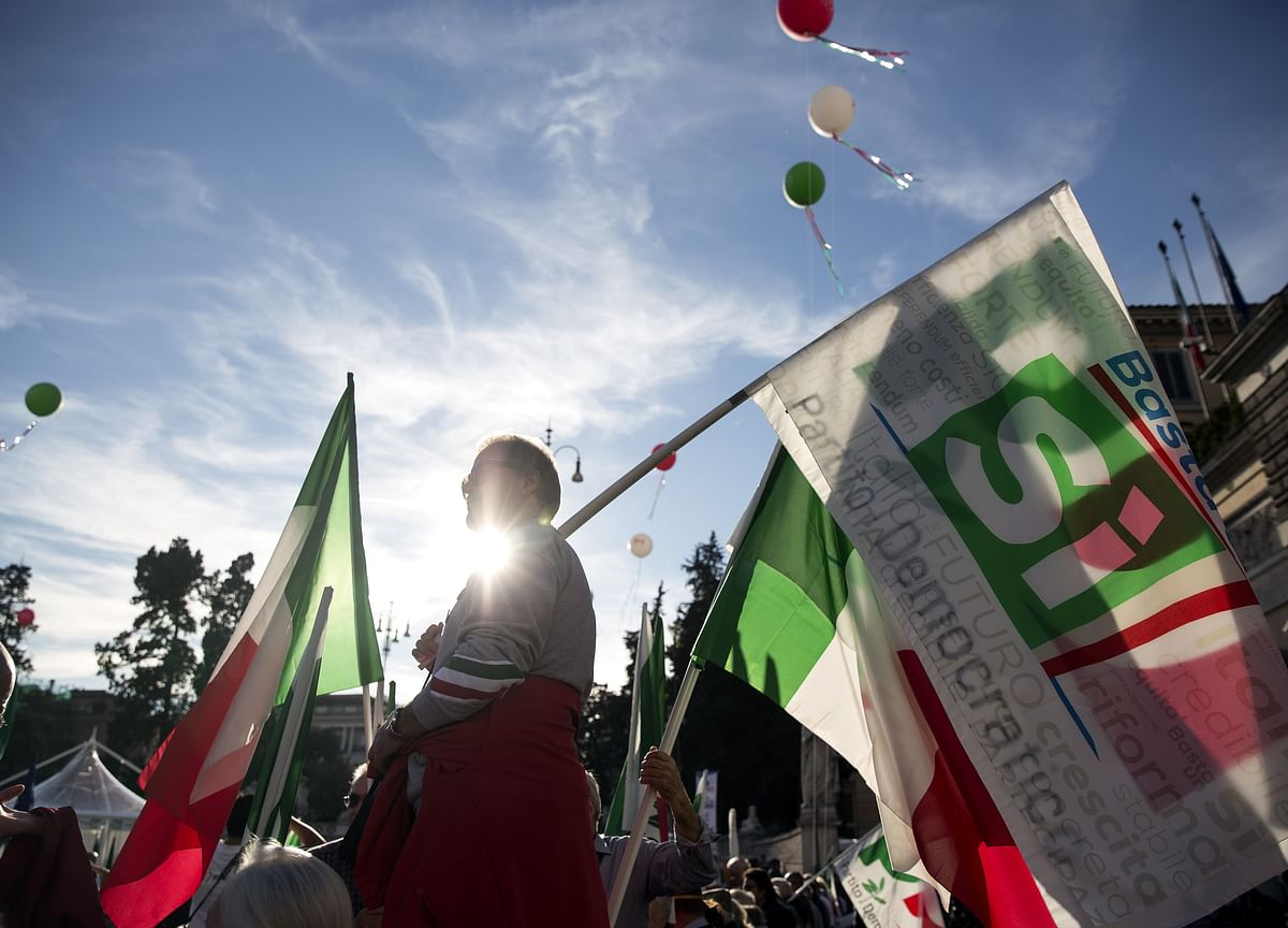 This Is What Analysts Are Saying About the Aftershocks of the Italian Referendum