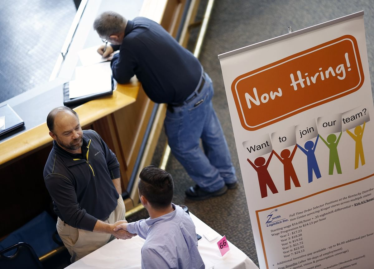Fed Economist Challenges the Idea a Tight Job Market Pulls In Workers