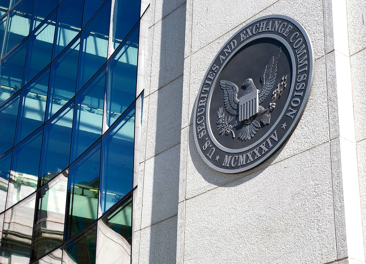 SEC Forces Cities to Reveal Wall Street Loans With Holdings Surging