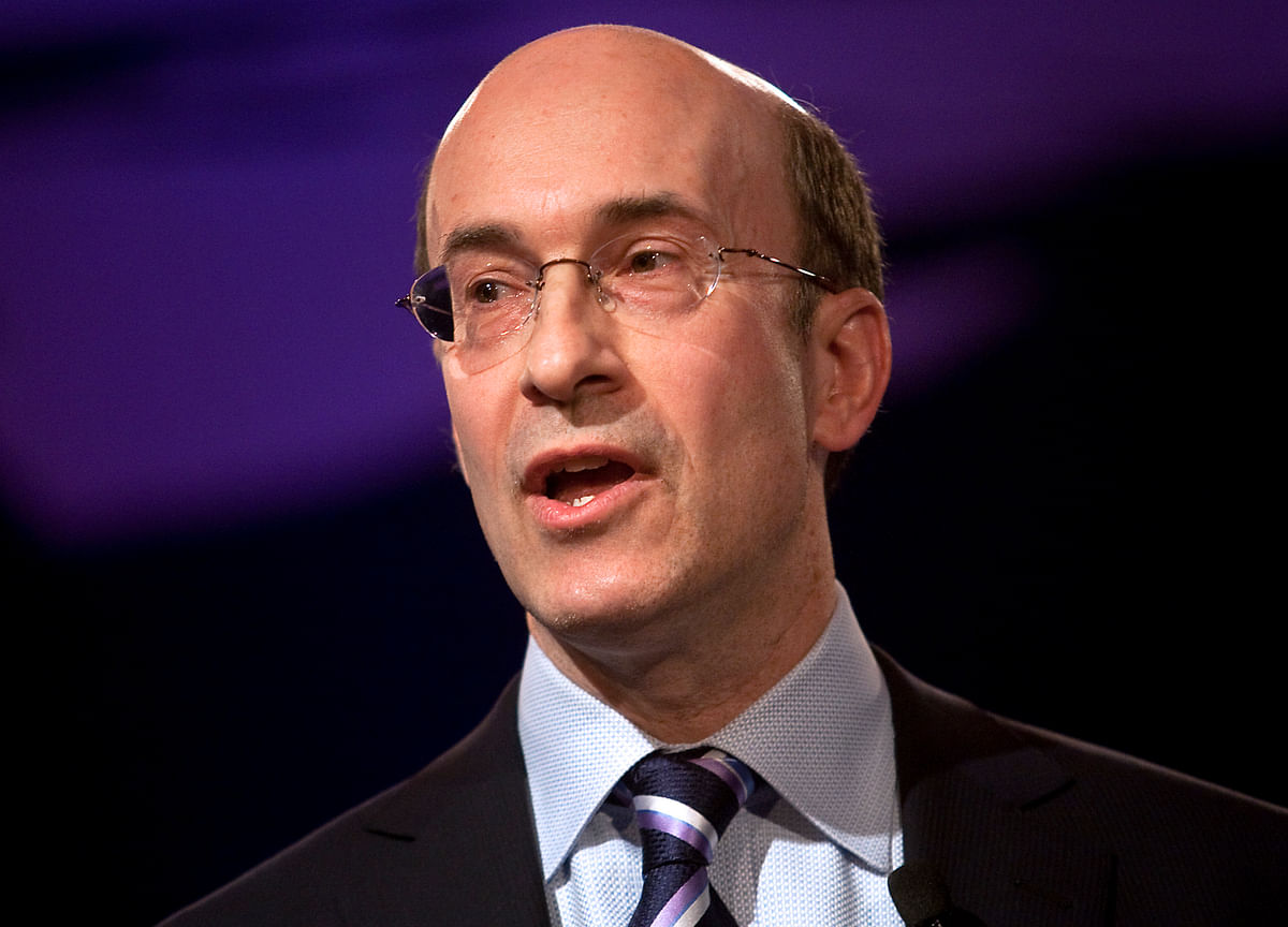 Cutting Cash Would Be a Boon for the World's Poor, Rogoff Says
