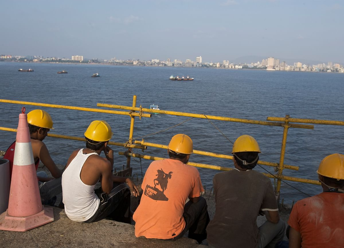 Covid-19: Maharashtra  Sanctions One-Time Payment To Registered Construction Workers