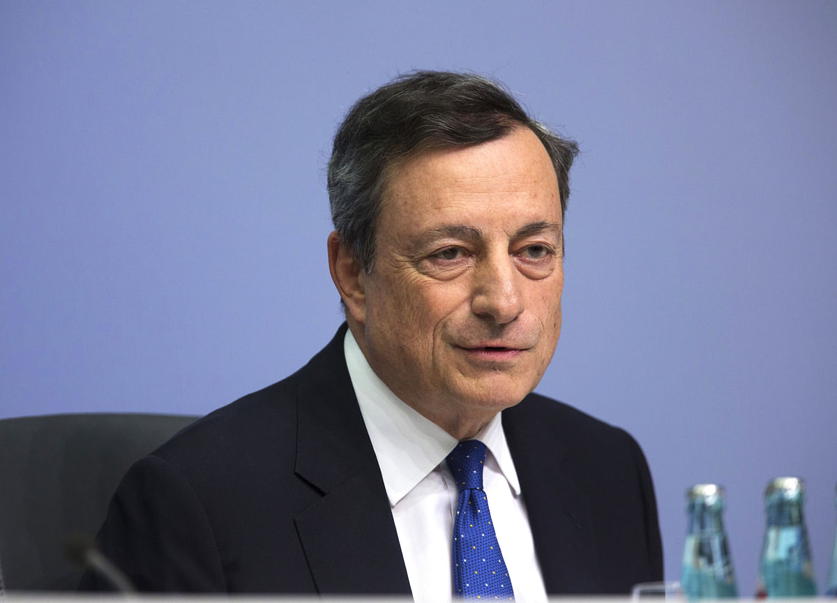 Draghi Shouts Louder at Germany as ECB Prepares Stimulus