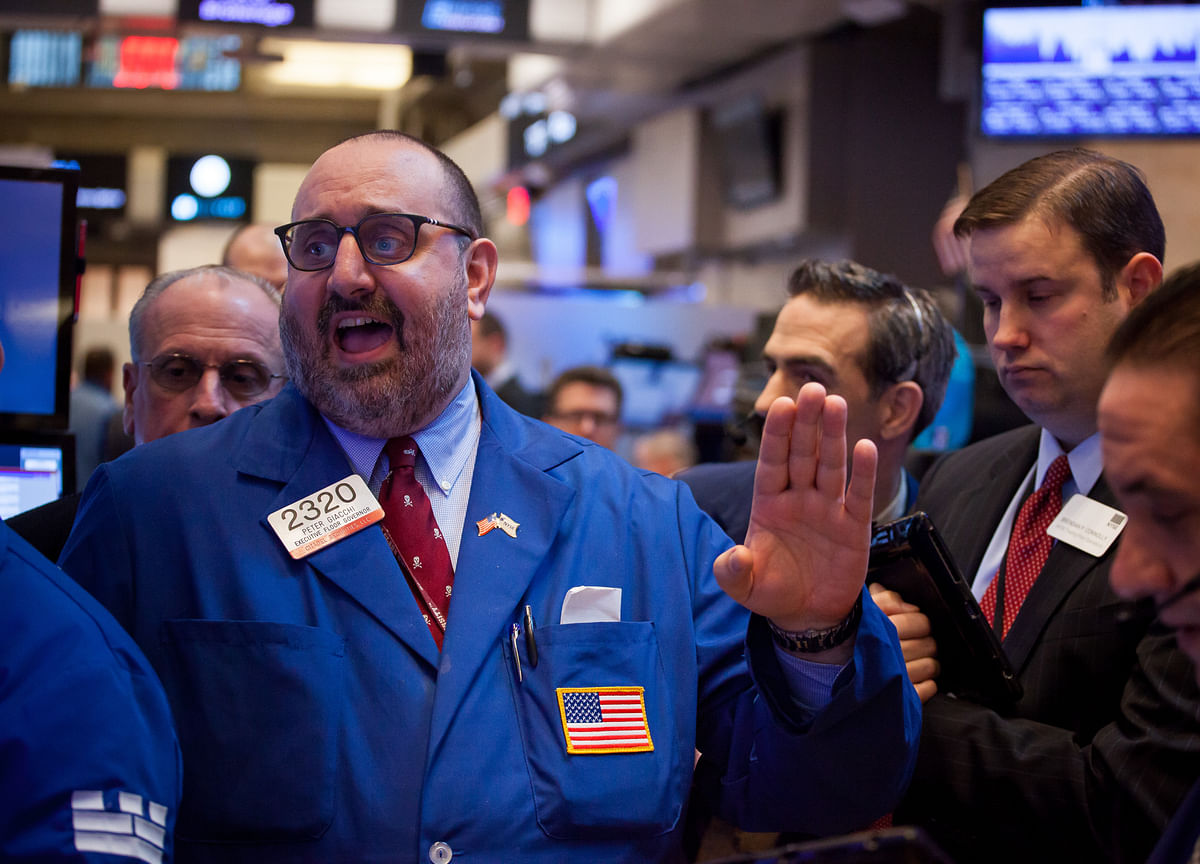 Dow Tops 20,000 as Earnings Feed Rally, Bonds Fall: Markets Wrap