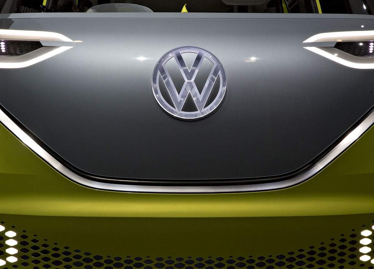 VW in $9 Billion Software Revamp as Tech Shift Expands