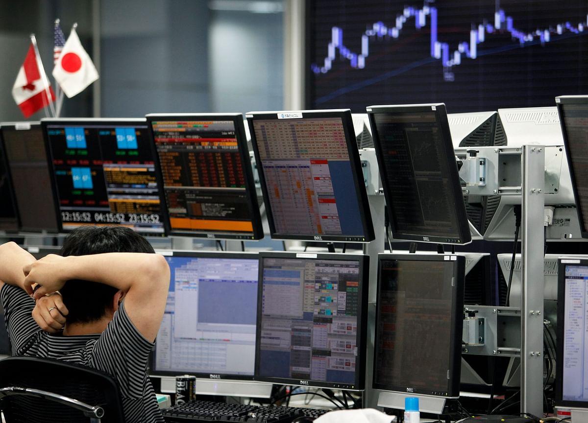 U.S. Stocks Sputter as Crude Slumps; Pound Surges: Markets Wrap