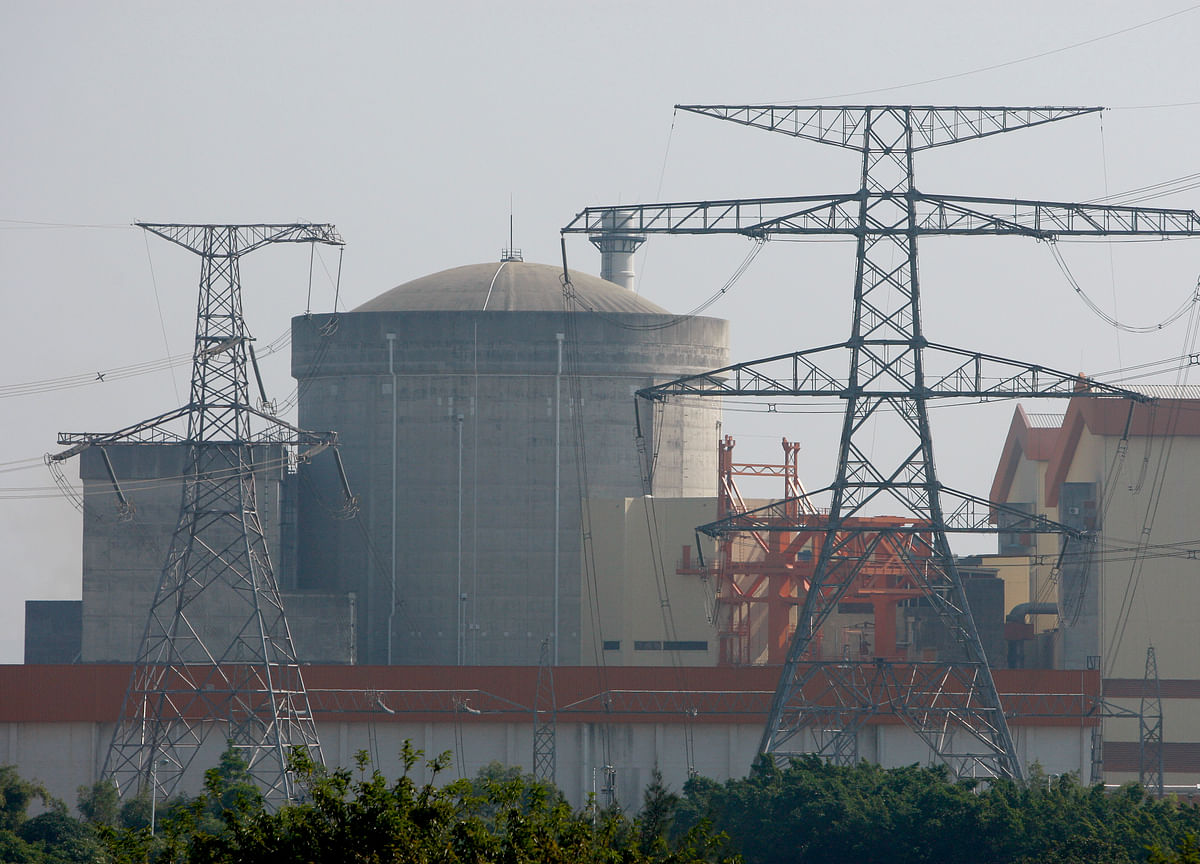 China Nuclear Push Seen Stalled by Next-Generation Reactors