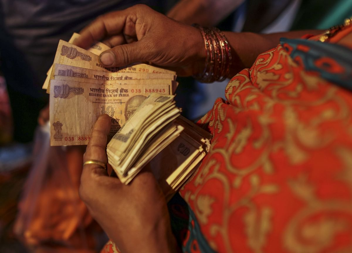 Rupee Rebounds After Hitting 72/$ On Foreign Fund Outflows