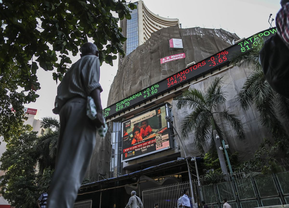 Q1 Earnings, Macro Data To Drive Markets This Week, Say Analysts