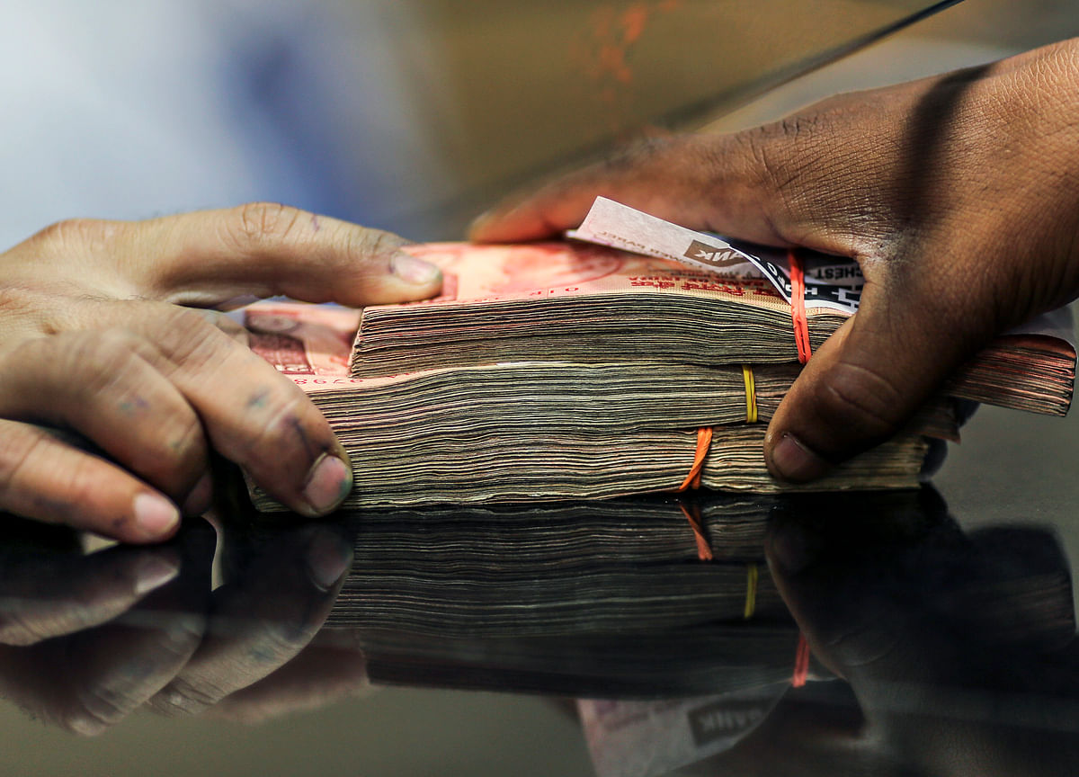 Foreign Investors Net Buyers For Third Straight Month, Pump In Rs 17,219 Crore In April