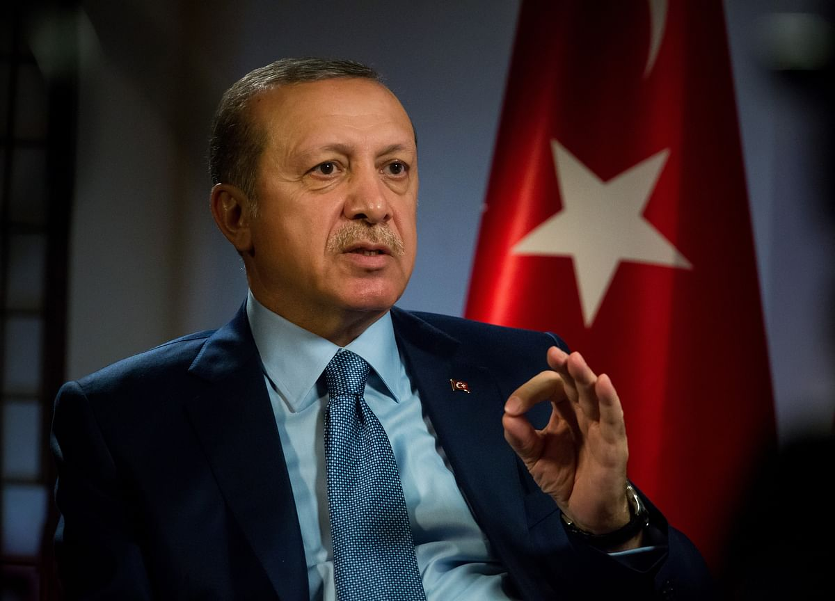 Erdogan Faces Rare Rebellion Within His Party as Economy Weakens