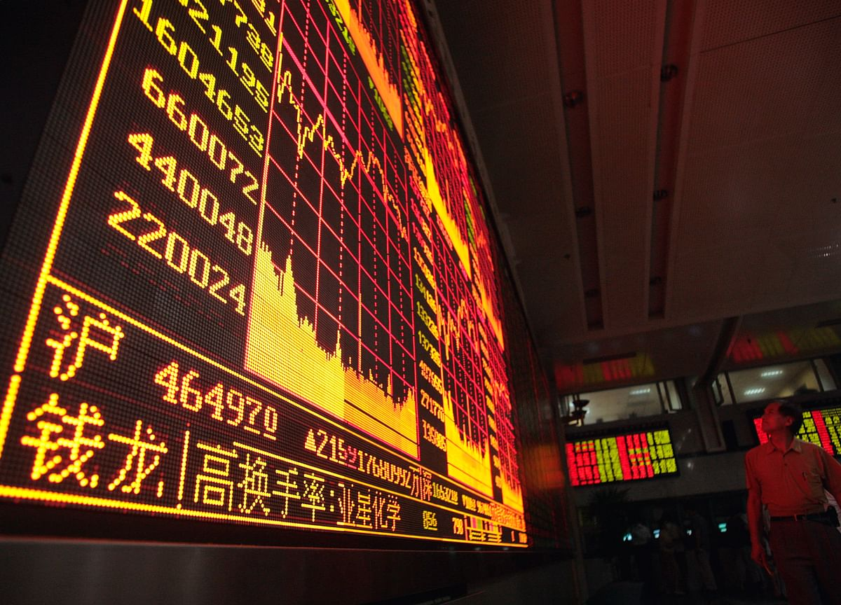 Asia Stocks Set for Worst Day of Year as FX Meets Trade