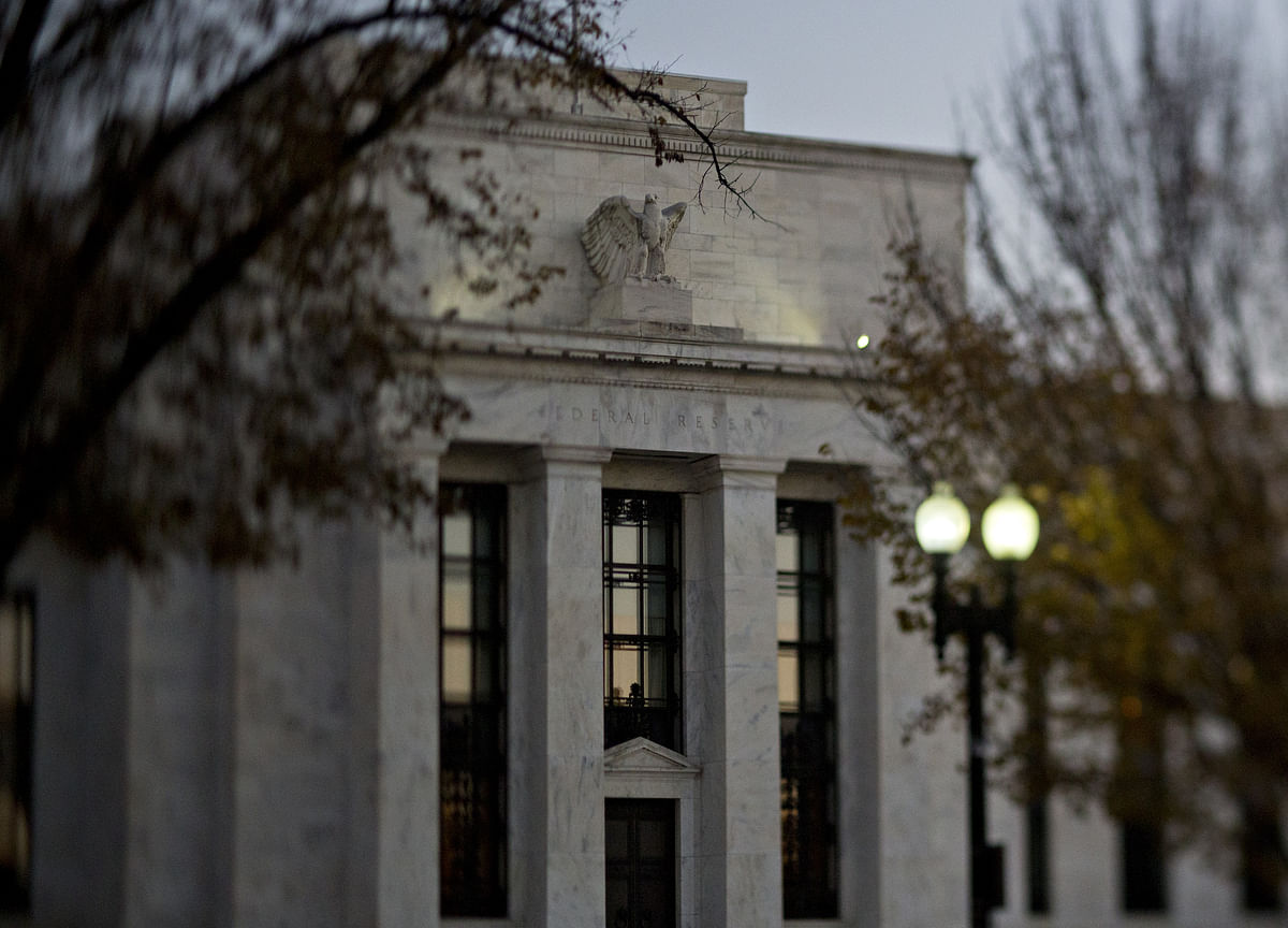 Evans Says Fed Must Convince Public It Will Allow More Inflation